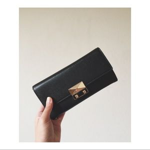 ✨UNAVAILABLE ✨ Charles & Keith wallet